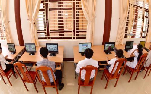 Truy cập thông tin trên máy tính